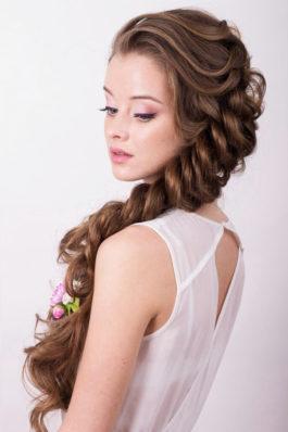 Нежный вечерний образ макияж и объемная коса